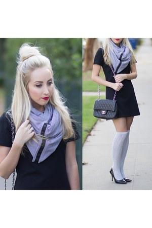 charcoal gray striped Lulu Lemon scarf - black shift Forever 21 dress