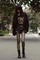 black H&M t-shirt - Dr Martens boots - jacket