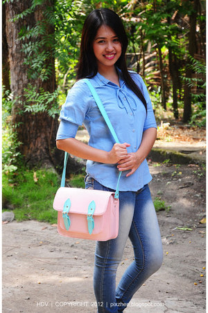 peach satchel bag - blue crissa jeans - sky blue Plains and Prints top