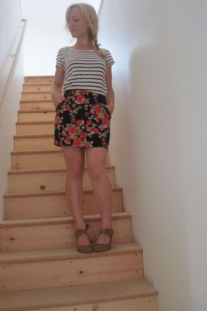 black H&M shirt - red Forever21 skirt - beige Enza Nucci
