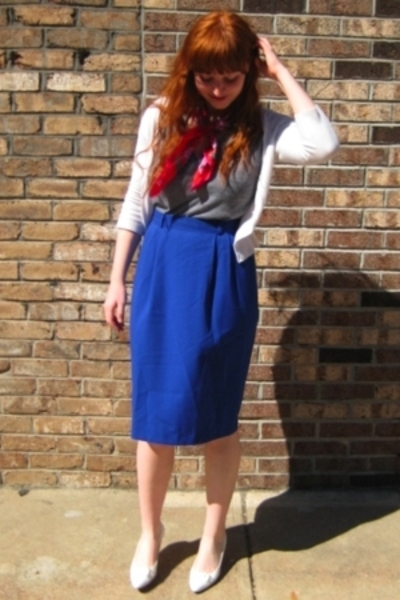 Forver21 sweater - mothers scarf - aa t-shirt - vintage skirt - vintage shoes