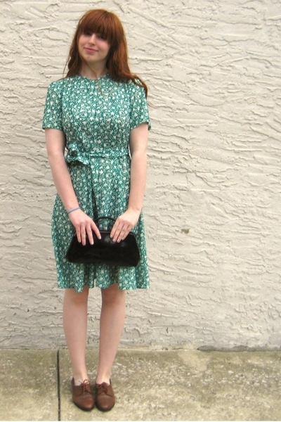 vintage dress - vintage purse - vintage shoes