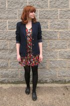 blue vintage blazer - red vintage dress - black tights - black H&M shoes