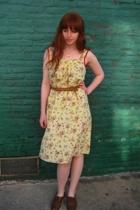 vintage dress - vintage belt - vintage shoes