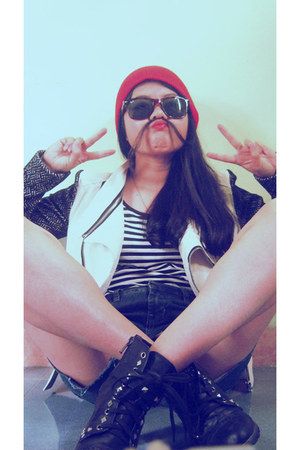 white leather Vanessa jacket - black studded boots - red beanie hat