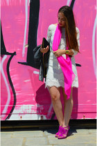 hot pink Zara sandals - white Zara dress - vintage bag