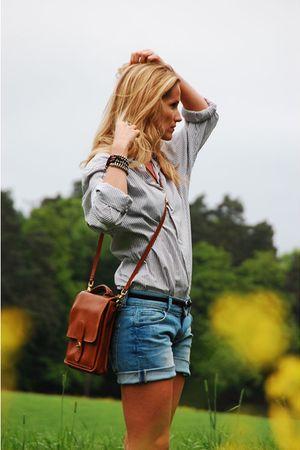 white boyfriend shirt - brown vintage bag - blue Never Denim shorts