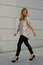 silver metallic Zara top - black skinny jeans Levis jeans