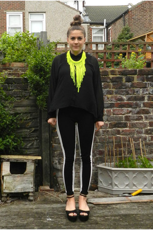 black panelled asos leggings - lime green neon H&M necklace