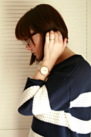 Gap sweater - firmoo glasses - rose gold Marc by Marc Jacobs watch