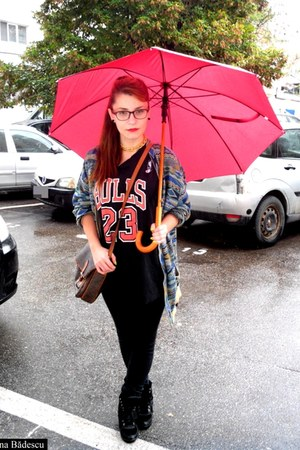 Missoni cardigan - Chicago Bulls shirt - thrifted bag - wedge no name sneakers