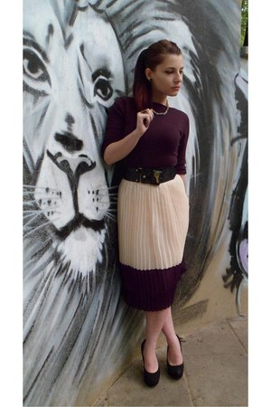 vintage necklace - no name heels - no name skirt - Moschino belt