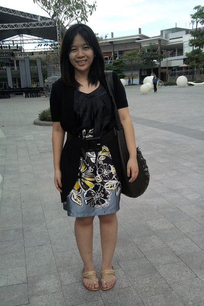 black maldita cardigan - black Freeway dress - black Bayo belt - Grendha shoes
