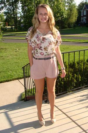 Forever 21 shorts - Forever 21 shirt - Charlotte Russe pumps