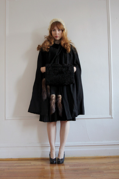 wool vintage cape - vintage shoes - fur vintage hat - fur vintage bag