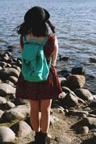 seafoam green baggu bag - aztec I Like Wolves dress - black bowler Barry hat