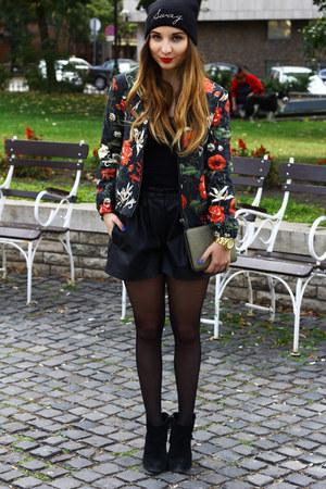 Mango jacket - Topshop hat - Zara bag - Zara shorts - Michael Kors watch