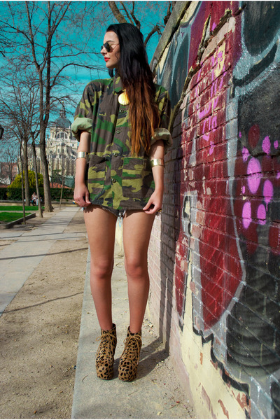 tan Jeffrey Campbell shoes - army green vintage jacket