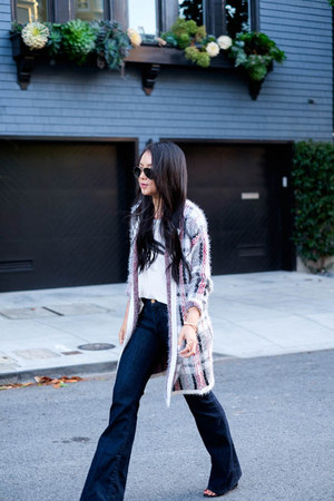 plaid Pleione cardigan - wide leg MIH Jeans jeans - aviator Ray Ban sunglasses
