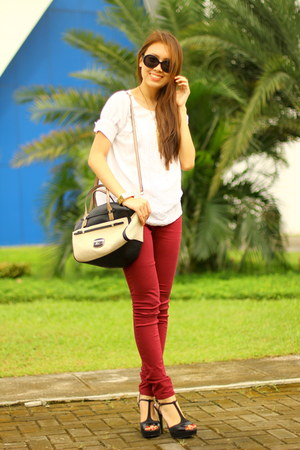 white Plains and Prints top - jeggings Greenhills jeans - two tone Guess bag