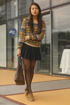printed Forever 21 sweater - camel Forever 21 shoes - heart OASAP tights