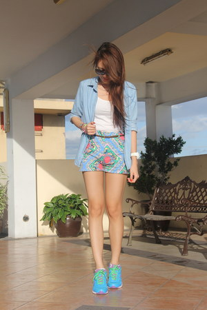 chambray Uniqlo top - white Forever 21 top - printed two zero shorts