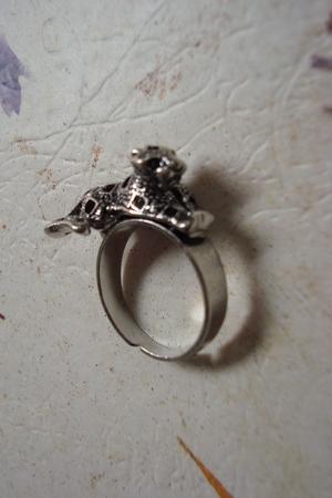 silver accessories -