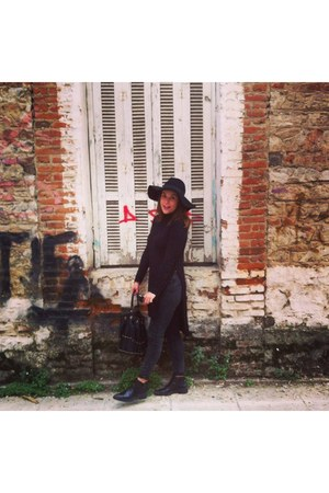 black Bershka jeans - black leather Zara shoes - black H&M hat - Bershka sweater