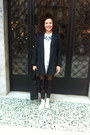 White-all-star-shoes-grey-gérard-darel-coat-leather-oysho-leggings