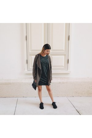 black all black Yeezy Boost sneakers - dark green Forever21 dress