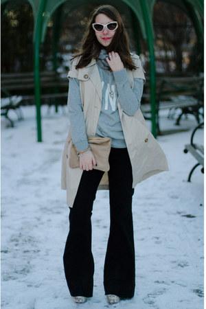 black flare David Kahn jeans - beige calvin klein jacket