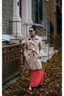 Beige-trench-gap-coat-black-aviator-mens-tom-ford-sunglasses