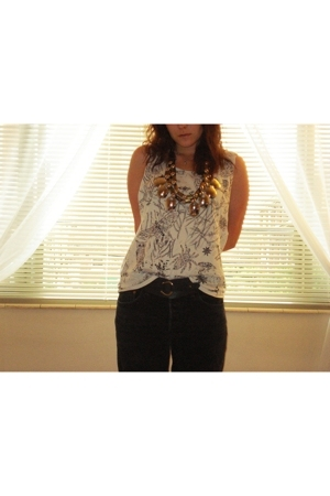 Gap t-shirt - thrifted necklace - Levis shorts - Gap belt - Gryson accessories -