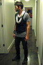 Timberland-boots-bdg-jeans-thrifted-vest-gap-scarf-urban-outfitters-brac