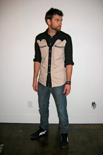 thrifted asics-wrestling shoes - Levis Skinny jeans - thrifted Rustler shirt