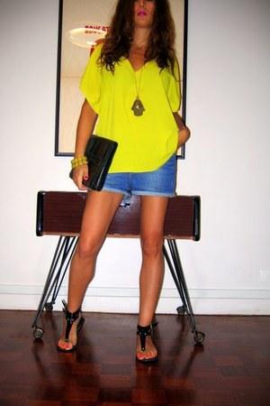 Zara sandals - vintage bag - H&M shorts - Zara top - H&M bracelet