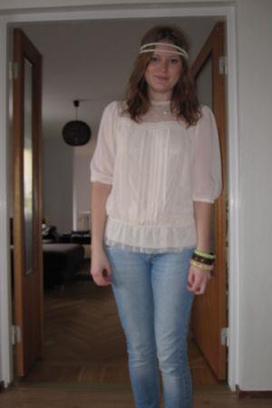 beige H&M blouse - blue H&M jeans - white Bik Bok - brown Indiska bracelet - bei