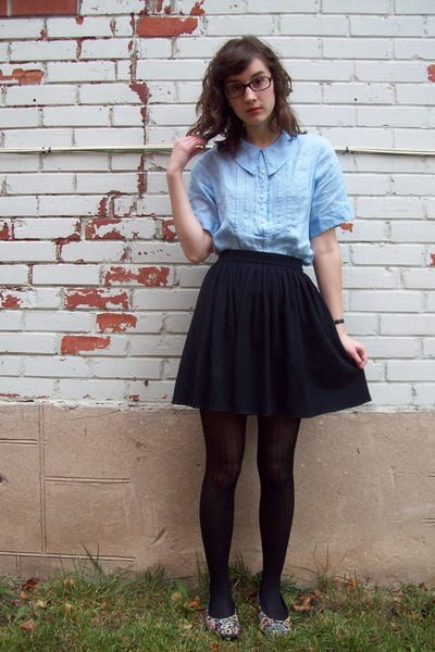 blue antique shirt - black American Apparel skirt - black Joe Fresh tights - pin