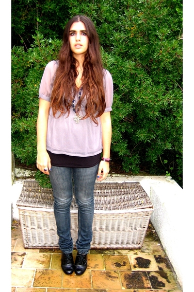 H&amp;M blouse - Zara top - tomeu shoes - Zara jeans - vintage accessories - vintage