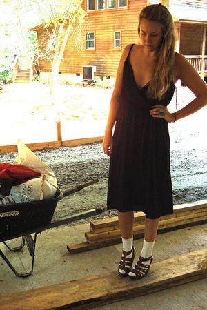 black vintage 70s lace dress - brown Cynthia Vincent for Target shoes - beige so