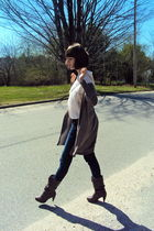 blue American Eagle jeans - brown H&M sweater - christian dior shirt - brown For