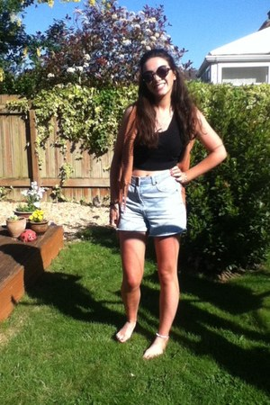 Topshop cardigan - new look shorts - Topshop top
