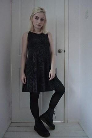 black Dr Martens boots - black new look dress