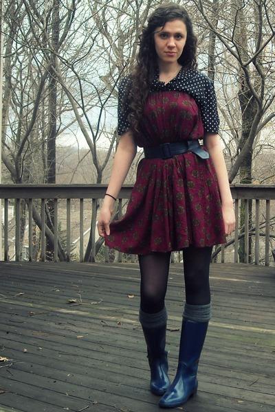 navy boots - charcoal gray Gap socks - black polka dot vintage blouse - crimson