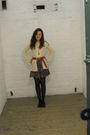 White-vintage-sweater-gray-vintage-shorts-brown-vintage-belt-black-so-shoe