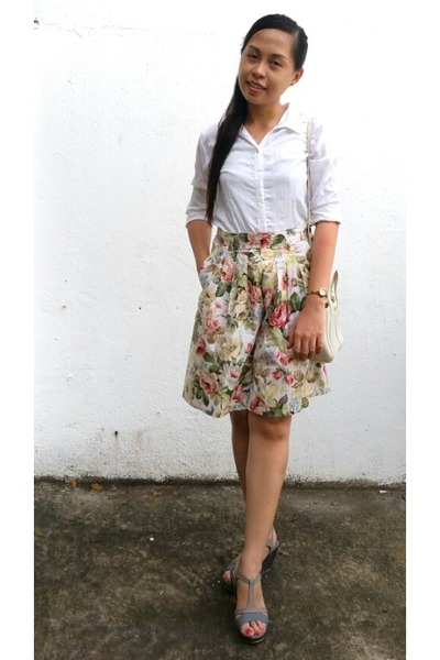 white button down Mirabella top - neutral floral culotte Petit Boy pants