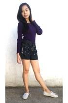 deep purple Avant premiere sweater - navy shorts