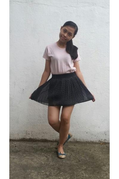 black polka Callia skirt - light pink Ayers Rock t-shirt