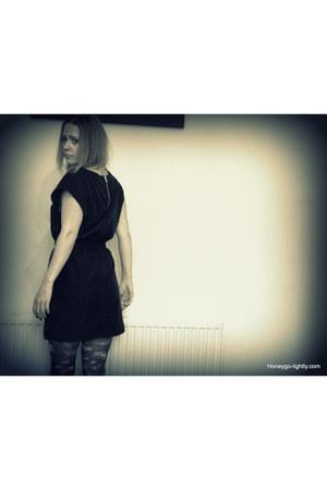 shift H&M dress - floral Primark tights
