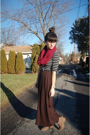 black maxi sears skirt - light brown ankle T J Maxx boots